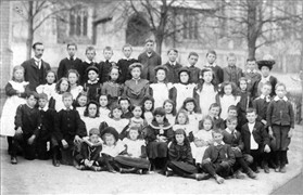 Photo:The children of Colbatch Charity School, 1890-1910